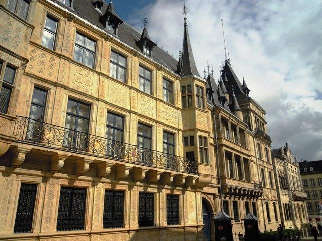 foto_luxemburg_paleis_groot